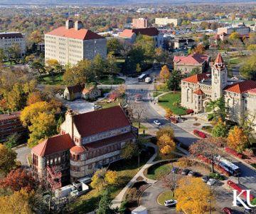 """""""Thắp lửa"""" giấc mơ Mỹ tại Đại học Kansas - Top 200 Đại học thế giới"""
